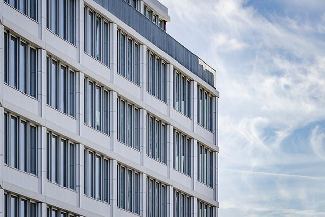 Architekturbeton, Betonfertigteile, Gesims- und Balkonelemente, B:HUB Kynaststrasse Berlin