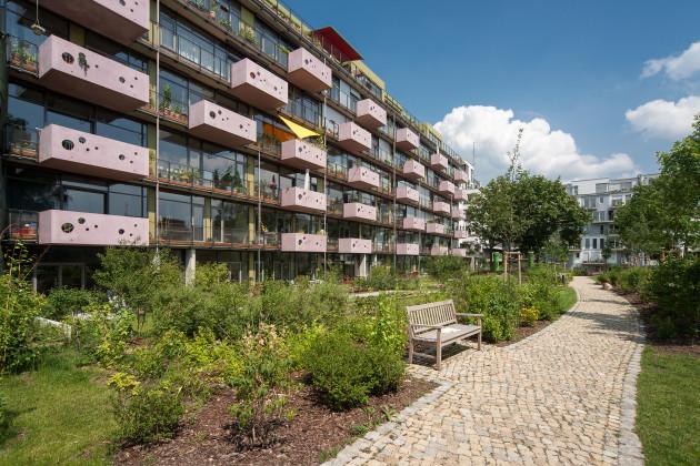 Mehrfamilienhaus in der schwiebusser stra e geithner bau for Mehrfamilienhaus berlin